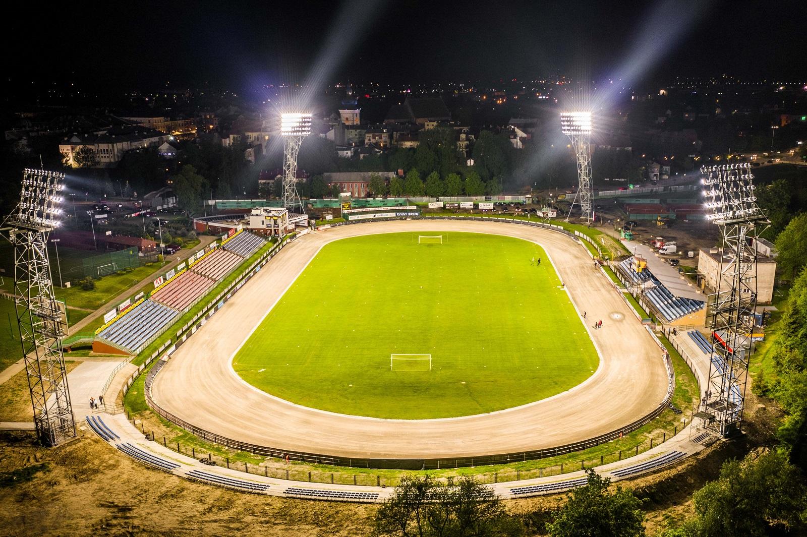 krosno stadion swiatla